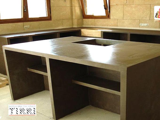 Ejemplo de aplicación de microcementos en muebles y cocinas. Trabajos realizados por Tirri en la provincia de Tarragona.